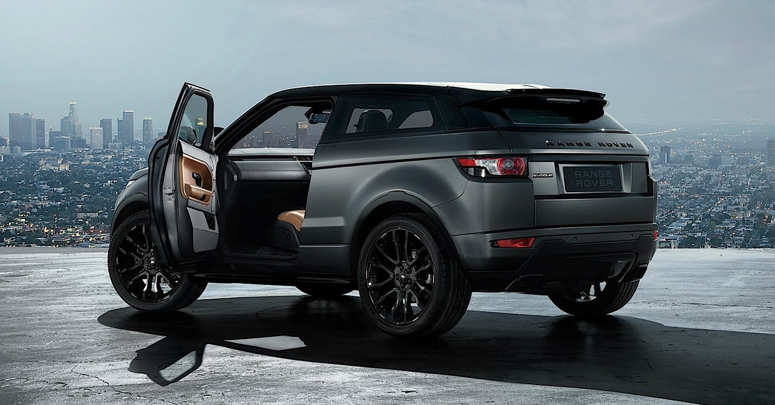 sell your car in 30min range rover evoque. Black Bedroom Furniture Sets. Home Design Ideas