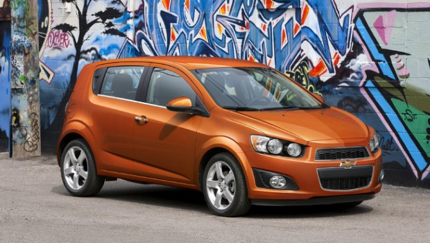com sell your car in 30min chevrolet sonic 2014 4 door hatchback. Cars Review. Best American Auto & Cars Review