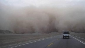 How_do_sandstorms_struck_while_driving_6_strokes_against_dust_dust_automobile_maintenance_and_repair_industry