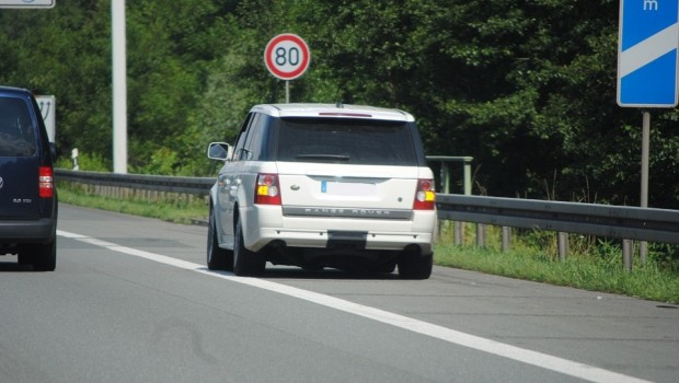 Car Tips And Tricks 6 Things To Do When Your Breaks Down On The Highway